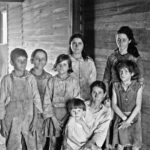 walker_evans_-_frank_tengle_family_hale_county_alabama._sharecroppers_1936.jpg